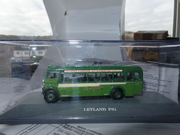 Corgi OOC 406xx  Leyland PS1 ECW  Bus Coach Southdown Brighton Mint Boxed